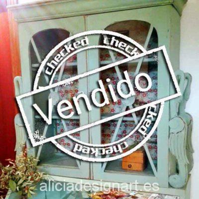 Alacena cisnes decorada Shabby Chic verde - Taller decoración de muebles antiguos Madrid estilo Shabby Chic, Provenzal, Rómantico, Nórdico