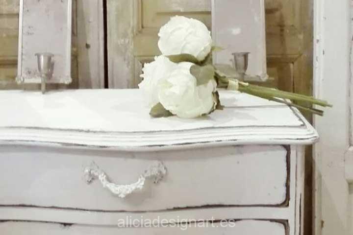 Mesita francesa shabby chic blanca con cajones decorados