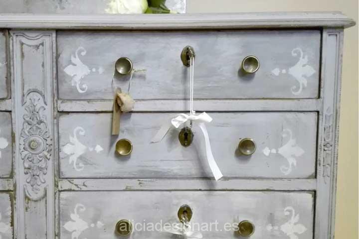Comoda seis cajones gris pastel - Decoracíon de muebles antiguos estilo Shabby Chic, Provenzal, Rómantico, Nórdico
