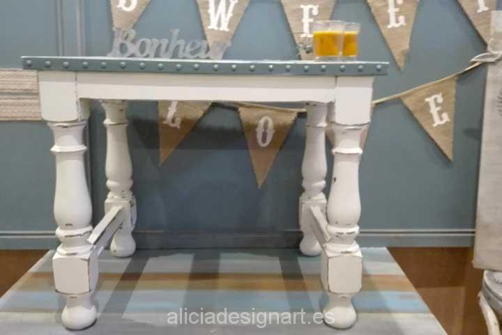 Mesita auxiliar revestida metal 4 productos pintura en - Decoracion con muebles antiguos ...