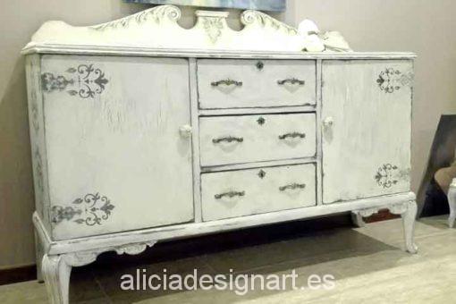 Aparador antiguo decorado en color Lino - Decoracíon de muebles antiguos estilo Shabby Chic, Provenzal, Rómantico, Nórdico
