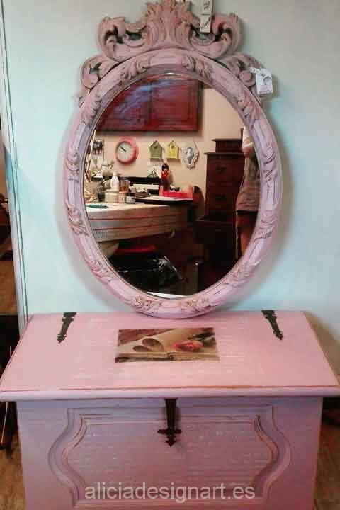 Espejo y Baúl antiguos decorados en color Rosa Lady - Decoracíon de muebles antiguos estilo Shabby Chic, Provenzal, Rómantico, Nórdico