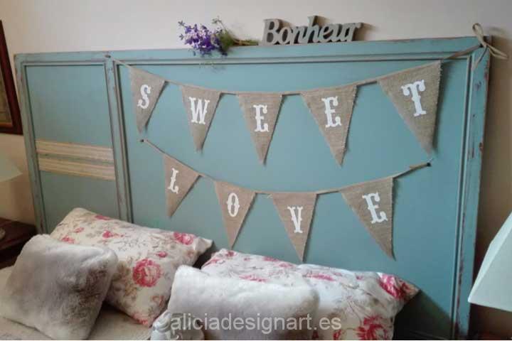 Cabecero de cama azul estilo vintage - Decoracíon de muebles antiguos estilo Shabby Chic, Provenzal, Rómantico, Nórdico