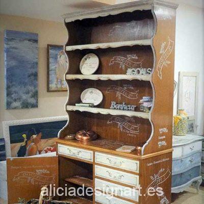 Alacena vintage restaurada y decorado estilo romántico - Taller decoracíon de muebles antiguos Madrid estilo Shabby Chic, Provenzal, Rómantico, Nórdico