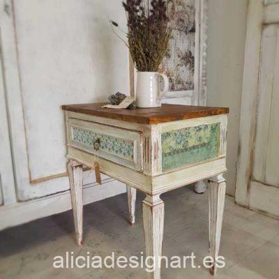 Mesitas de noche antiguas de madera maciza decoradas estilo Shabby Chic Romántico - Taller de decoración de muebles antiguos Madrid. Muebles de colores, productos y cursos.