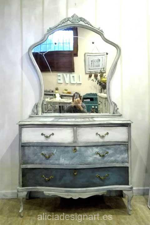 Comoda antigua vintage Shabby Chic - Decoracíon de muebles antiguos estilo Shabby Chic, Provenzal, Rómantico, Nórdico