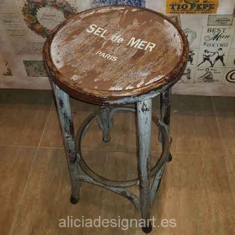 Sillas y taburetes antiguos decorados - Decoracíon de muebles antiguos estilo Shabby Chic, Provenzal, Rómantico, Nórdico