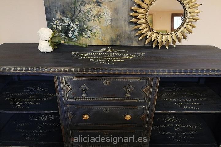 Aparador antiguo vintage decorado estilo Shabby Chic francés azul noche y dorado