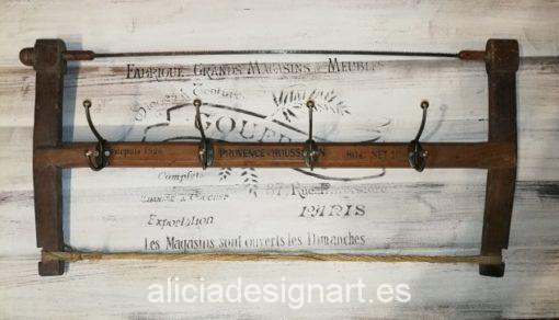 sierra antigua reciclada en perchero vintage Alicia Designart