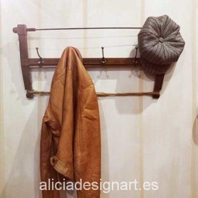 sierra antigua reciclada en perchero vintage taller de decoración en Madrid Alicia Designart