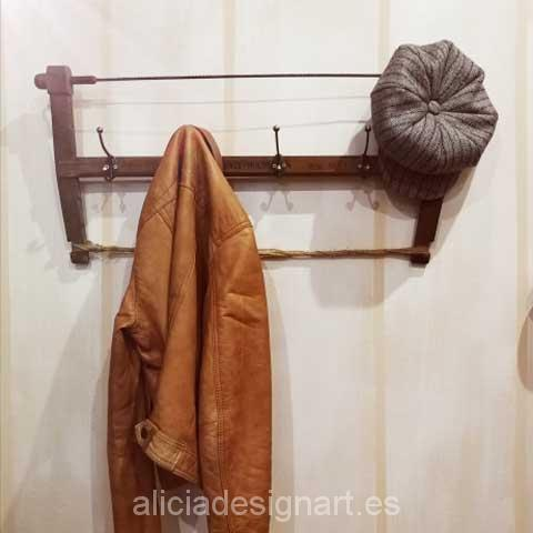 sierra antigua reciclada en perchero vintage taller de decoración en Madrid Alicia Designart
