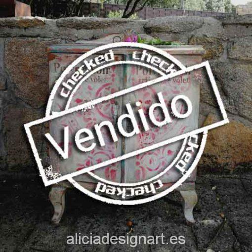 mesita de noche antigua decorada estilo Shabby Chic romántico - Taller decoracíon de muebles antiguos Madrid estilo Shabby Chic, Provenzal, Rómantico, Nórdico