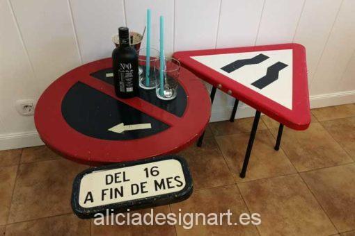 Mesa triangular señal de trafico reciclado - Taler decoracíon de muebles antiguos Madrid estilo Shabby Chic, Provenzal, Rómantico, Nórdico