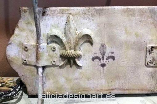 Perchero flor de lis estilo Shabby Chic - Taller decoracíon de muebles antiguos Madrid estilo Shabby Chic, Provenzal, Rómantico, Nórdico