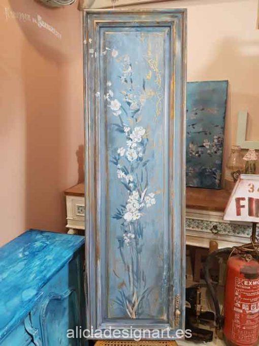Cuadro con motivos florales pintados a mano alzada sobre tabla de roble macizo - Taller decoración de muebles antiguos Madrid estilo Shabby Chic, Provenzal, Romántico, Nórdico