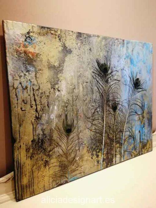 Cuadro mix media sobre lienzo pavo real- Taller decoracíon de muebles antiguos Madrid estilo Shabby Chic, Provenzal, Rómantico, Nórdico