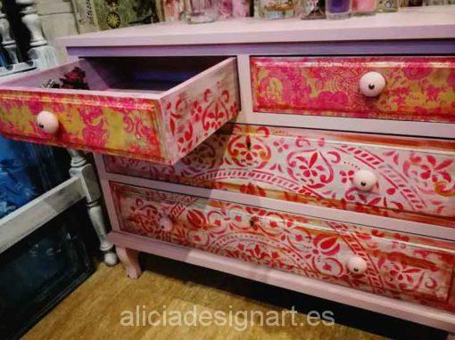 Comoda madera maciza 4 cajones estilo Boho Chic rosa - Taller decoración de muebles antiguos Madrid estilo Shabby Chic, Provenzal, Rómantico, Nórdico