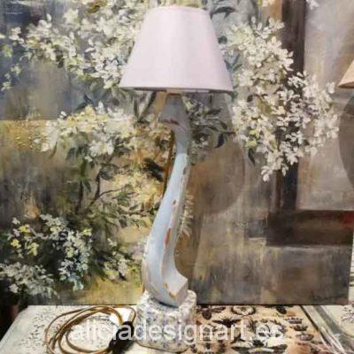 Lámpara decorativa de mesa estilo Isabelino azul - Taller decoración de muebles antiguos Madrid estilo Shabby Chic, Provenzal, Rómantico, Nórdico