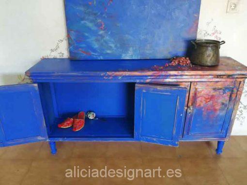 Aparador antiguo decorado y cuadro, estilo Boho azul, precioso mueble de colores - Taller decoración de muebles antiguos Alicia Designart Madrid.