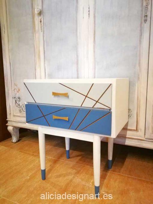 Mesita de noche Vintage decorada estilo Nórdico Escandinavo - Taller decoración de muebles antiguos Madrid estilo Shabby Chic, Provenzal, Rómantico, Nórdico, muebles de color
