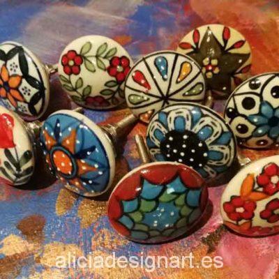 Pomos tiradores 4 cm de cerámica estilo Boho Chic India - Tienda de productos de decoración en Madrid. Plantillas de stencil, papel decoupage, pintura decoración, Shalk Paint, accesorios