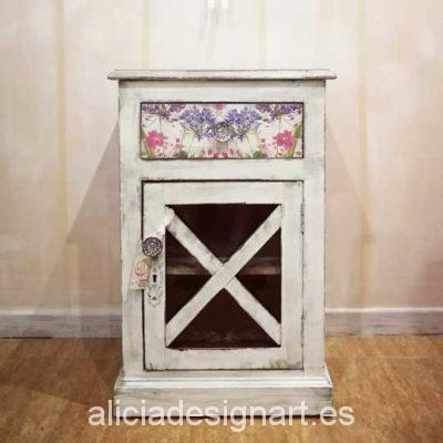 Mesita colonial decorada estilo Shabby Chic Lady con decoupage - Taller de decoración de muebles antiguos Madrid. Muebles de colores, productos y cursos.