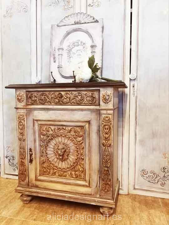 Taquillón aparador de entrada decorado por encargo - Taller decoración de muebles antiguos Alicia Designart Madrid.