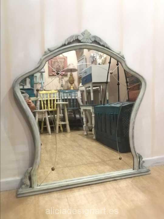 Espejo antiguo de madera maciza restaurado y decorado - Muebles estilo antiguo ...