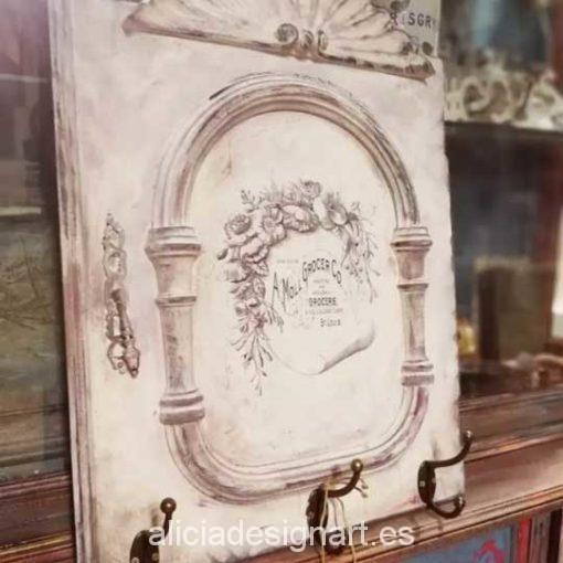 Perchero blanco estilo Shabby Chic con chalk paint - Taller decoración de muebles antiguos Alicia Designart Madrid.