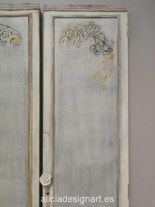 Puertas vintage decoradas estilo nórdico, ideales para cabecero - Taller decoración de muebles antiguos Alicia Designart Madrid.
