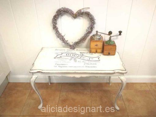 Mesita auxiliar antigua Shabby Chic blanco y stencil - Taller de decoración de muebles antiguos Madrid. Muebles de colores, productos de decoración y cursos.