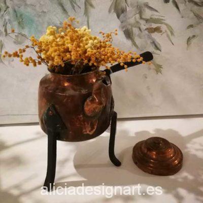 Tetera antigua estilo nórdico de cobre macizo - Taller decoración de muebles antiguos Alicia Designart Madrid.