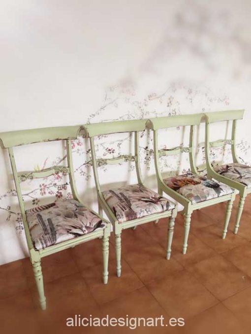 Sillas inglesas estilo shabby verde con asiento tapizado tela cactus - Taller decoración de muebles antiguos Alicia Designart Madrid.