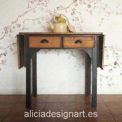 Mesa antigua de cocina de madera maciza decorada estilo rústico - Taller de decoración de muebles antiguos Alicia Designart Madrid.