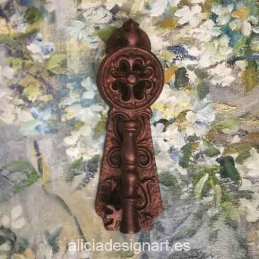 Picaporte, aldaba o llamador antiguo de hierro macizo restaurado - Taller de decoración de muebles antiguos Madrid estilo Shabby Chic, Provenzal, Romántico, Nórdico
