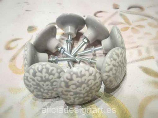 Tirador redondo de cerámica blanca y gris estilo Shabby Chic - Taller de decoración de muebles antiguos Madrid estilo Shabby Chic, Provenzal, Romántico, Nórdico