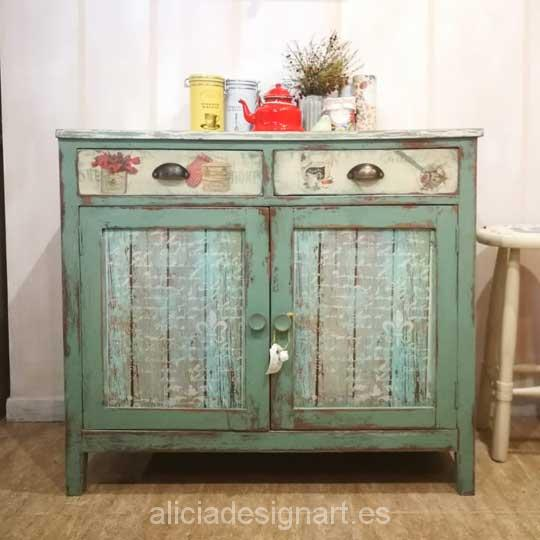 Aparador antiguo decorado estilo provenzal verde - Taller decoración de muebles antiguos Alicia Designart Madrid.