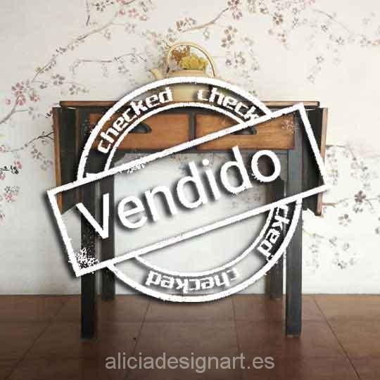 Mesa de cocina antigua estilo rústica con dos cajones