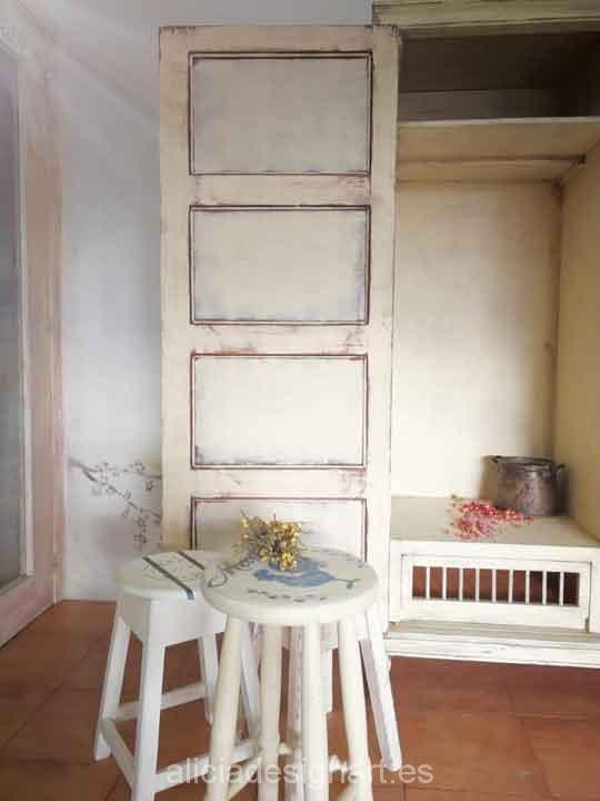 Armario estilo Shabby Chic Lino decapado, decorado por encargo - Taller de decoración de muebles antiguos Madrid. Muebles de colores, productos y cursos.
