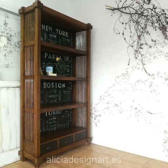 Librería biblioteca colonial decorada estilo industrial con stencil - Taller de decoración de muebles antiguos y recuperados en Madrid. Muebles de colores, productos y cursos.