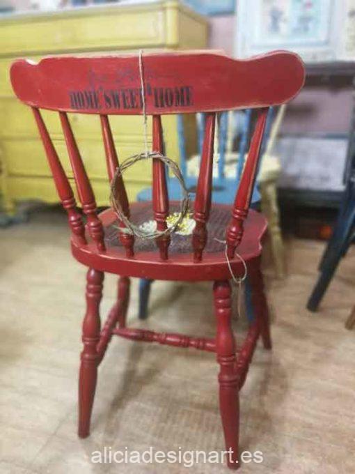 Silla Windsor vintage estilo farmhouse rojo con stencils - Taller de decoración de muebles antiguos Madrid estilo Shabby Chic, Provenzal, Romántico, Nórdico