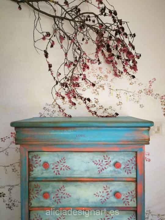 Sinfonier Boho Chic azul y cereza, decorado por encargo - Taller de decoración de muebles antiguos Madrid. Muebles de colores, productos y cursos.