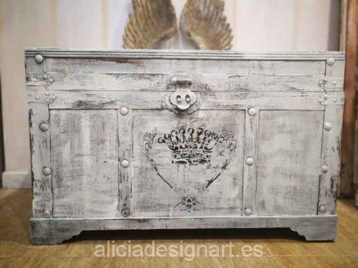 Baúl shabby de madera maciza decorado estilo Shabby Chic Blanco con stencil - Taller de decoración de muebles antiguos Madrid. Muebles de colores, productos y cursos.