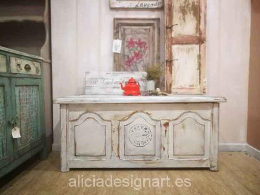 Baúl de pino macizo decorado estilo Shabby Chic Blanco - Taller de decoración de muebles antiguos Madrid. Muebles de colores, productos y cursos.