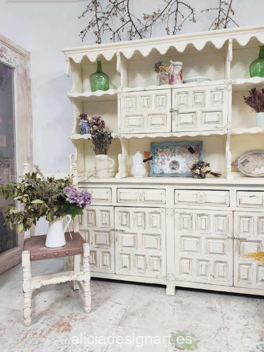 Ejemplo de mueble pintado con la pintura acrílica Cadence Hybrid Caramelo H005 - Decoración de muebles antiguos estilo Shabby Chic, Provenzal, Romántico, Nórdico