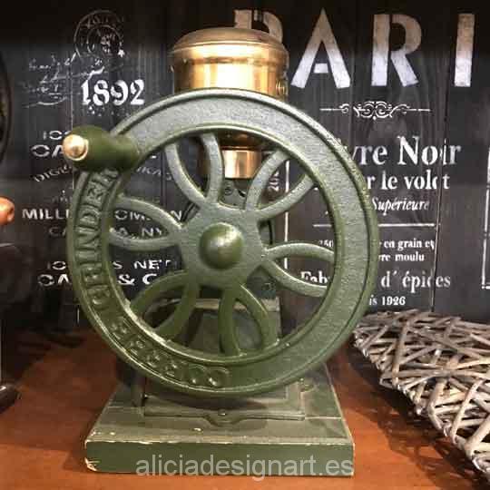 Molinillo antiguo de metal con rueca para decoración de espacios - Taller decoración de muebles antiguos Madrid estilo Shabby Chic, Provenzal, Romántico, Nórdico