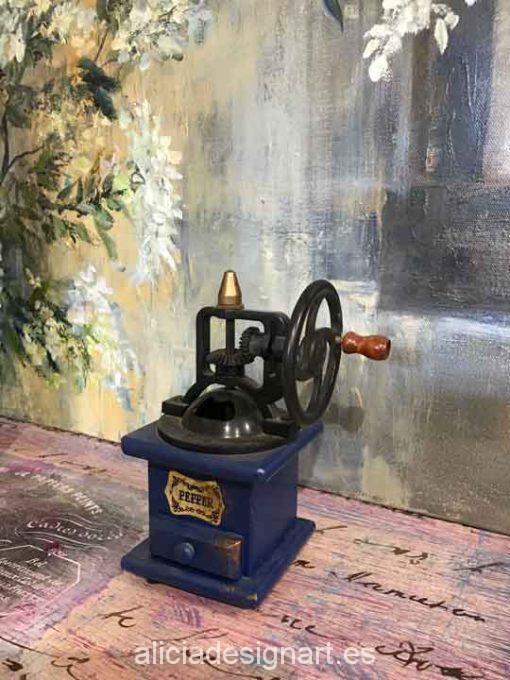 Molinillo de pimienta antiguo de madera y metal para decorar tus espacios - Taller decoración de muebles antiguos Madrid estilo Shabby Chic, Provenzal, Romántico, Nórdico