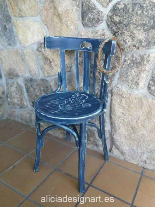 Silla Thonet vintage estilo farmhouse azul con stencils - Taller de decoración de muebles antiguos Madrid estilo Shabby Chic, Provenzal, Romántico, Nórdico
