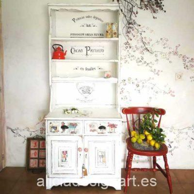 Alacena antigua estilo Campestre Farmhouse blanco - Taller de decoración de muebles antiguos Alicia Designart Madrid.