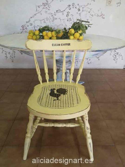Silla Windsor vintage estilo farmhouse amarilla con stencils - Taller de decoración de muebles antiguos Madrid estilo Shabby Chic, Provenzal, Romántico, Nórdico
